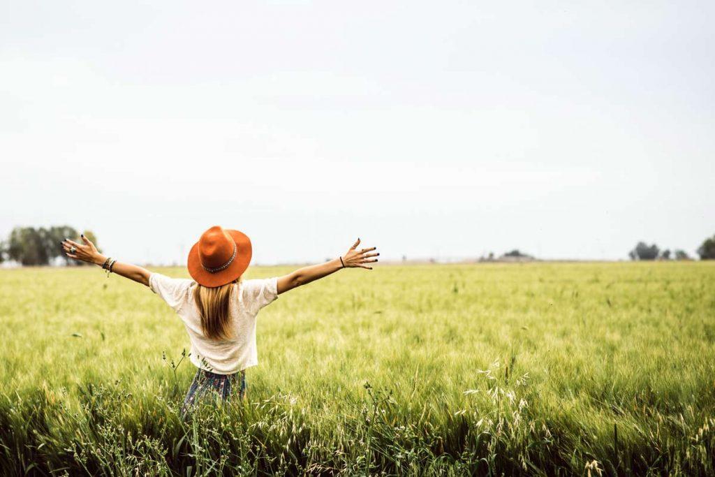 Wenn du bereit für einen neuen Lebenspartner bist, kannst du ihn auch mit deinen Gedanken anziehen und ausstrahlen, was du dir wünschst.