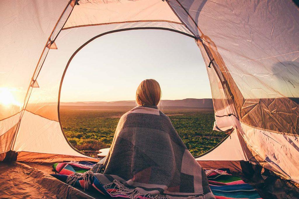 Viele Menschen verbinden positive Erlebnisse wie Urlaube oder schöne Kindheitserinnerungen mit Klängen aus der Natur.