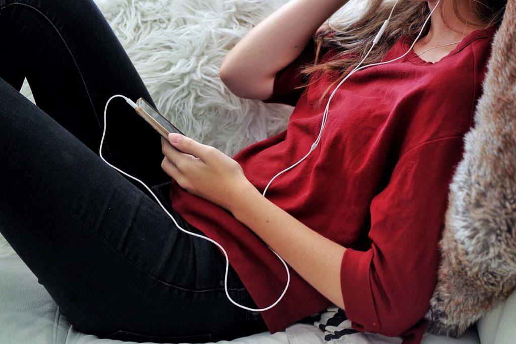 Entspannungsmusik ist, wie der Name bereits verrät, Musik, die die Aufgabe hat, dir bei deiner Entspannung zu helfen