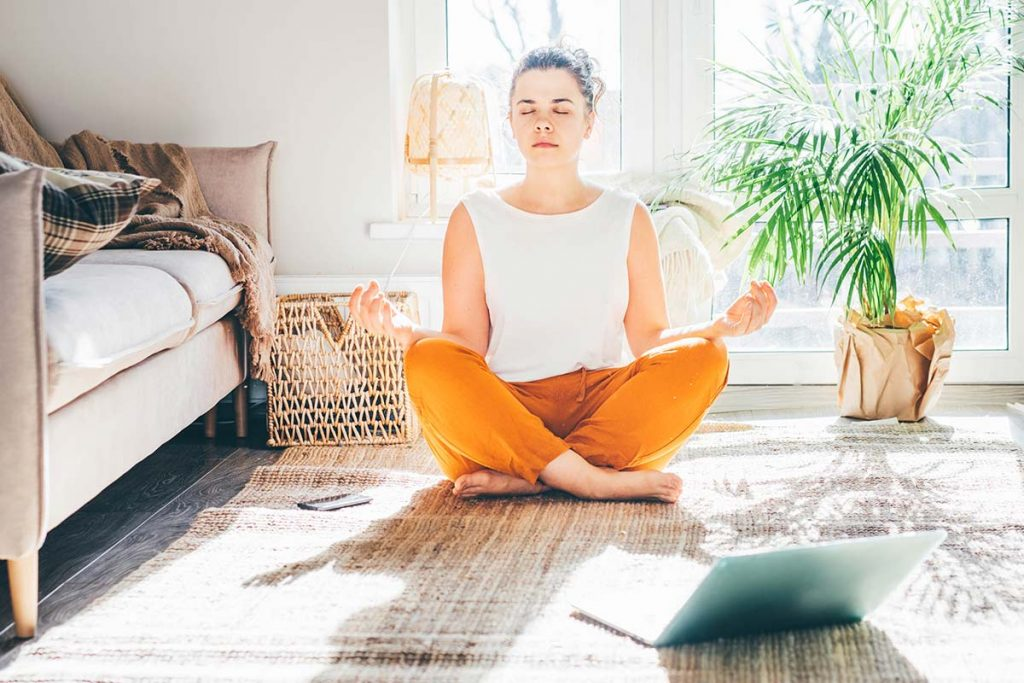 Nach unserer Erfahrung kann die entspannende Wirkung deutlich verstärkt werden, wenn bestimmte Frequenzen die Musik unterstützen