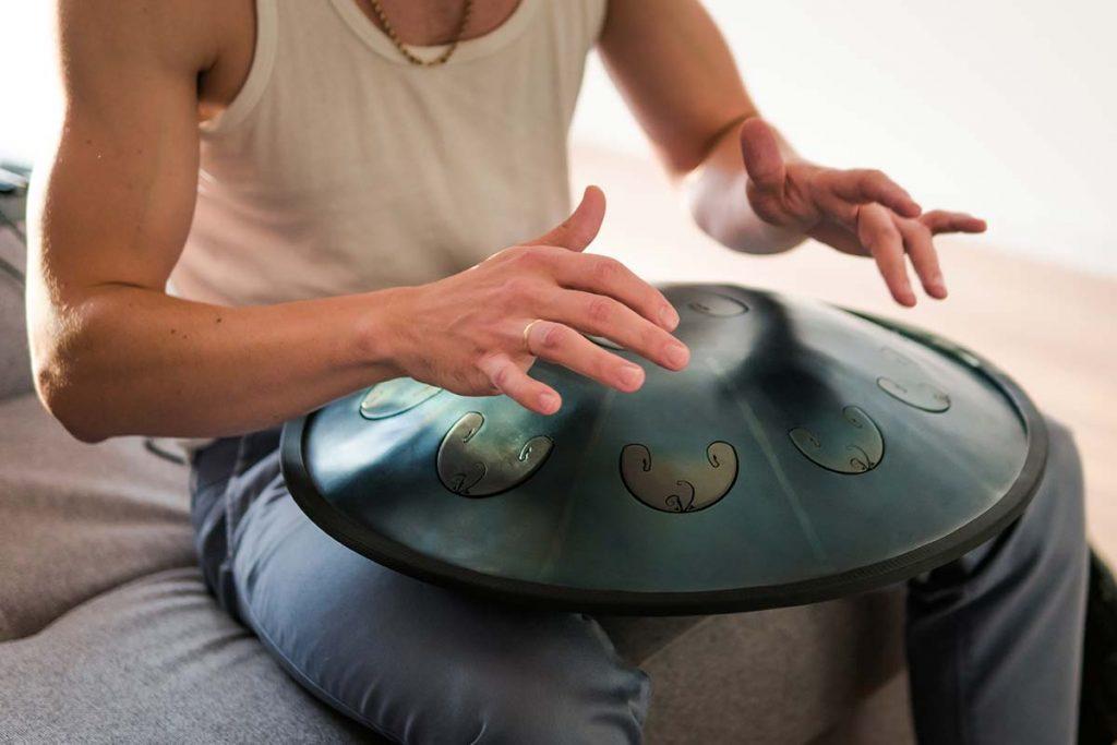 Wie jedes Genre in der Musikindustrie hat auch die Meditationsmusik unterschiedliche Musikrichtungen.